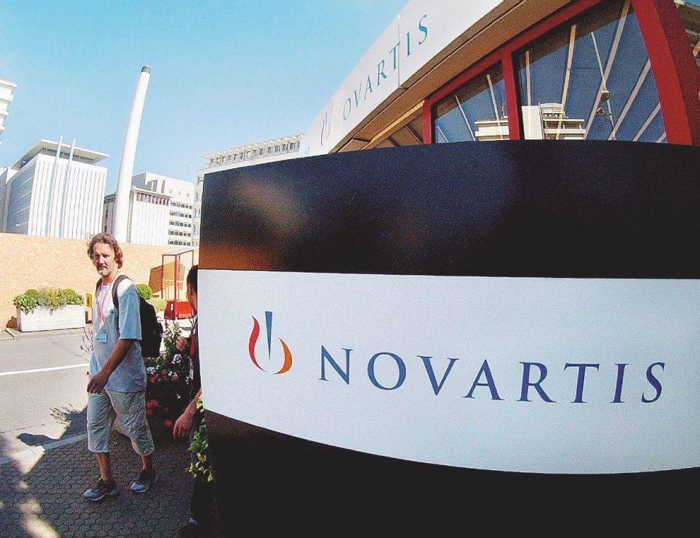 I colossi –  Roche e Novartis sono finite  nel mirino della Procura di Roma che ha chiuso le indagini nei confronti di due rappresentanti legali delle aziende – Ansa