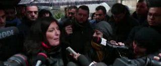 """Napoli, M5S sotto la Regione con il video di Fanpage: """"Il presidente De Luca si dimetta"""""""