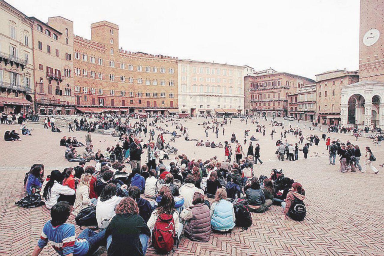 I locali di piazza del Campo e quei soldi kazaki