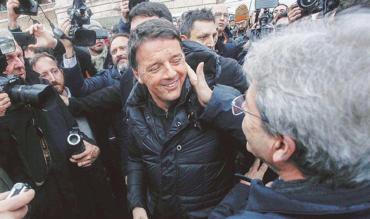 A Roma sfilano in 30 mila. Renzi si risparmia i fischi