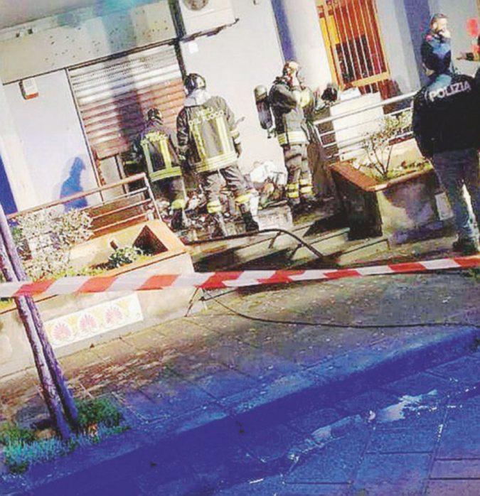Ancora un incendio doloso colpisce i familiari dei giornalisti di Fanpage