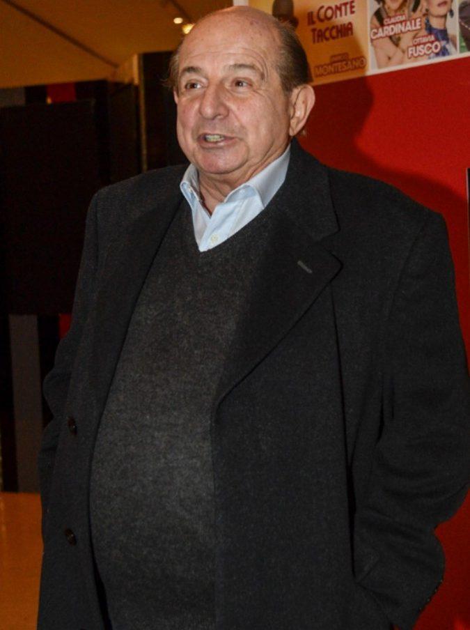 """I Fatti Vostri, il programma con Giancarlo Magalli si prepara a chiudere? Lui intanto riceve un tapiro e """"punzecchia"""" Insinna: """"Il conduttore de L'Eredità? Non so il nome"""""""