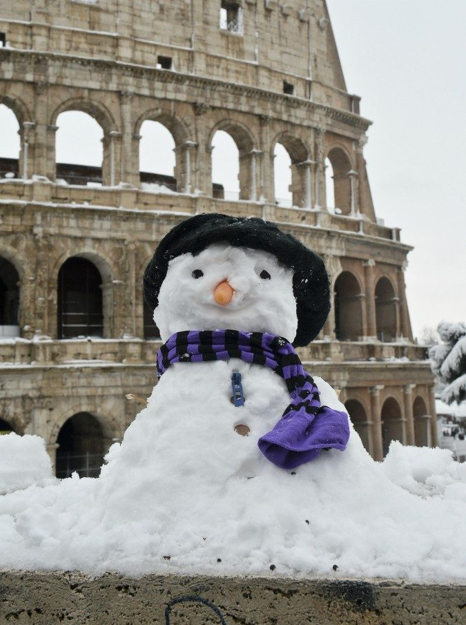 """Neve a Roma, sui social spopola l'hashtag #passameersale ispirato alla canzone di Luca Barbarossa: """"L'aveva predetto"""""""