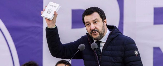 Matteo Salvini: giurando su Vangelo e Costituzione, si è fregato da solo