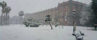 """Neve a Napoli: scuole chiuse anche mercoledì, spostamenti """"solo se necessari"""". Caos trasporti in mattinata"""