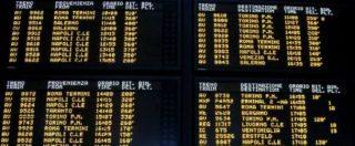 Maltempo, 43 treni cancellati e caos nelle stazioni: la neve manda in tilt la rete
