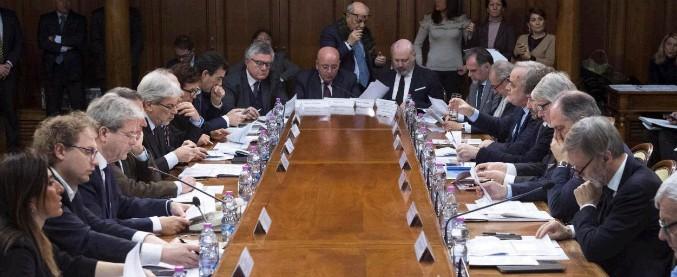 Governo: soldi a cultura, imprese e strade. Pioggia di fondi da 4,3 miliardi di euro a quattro giorni dal voto