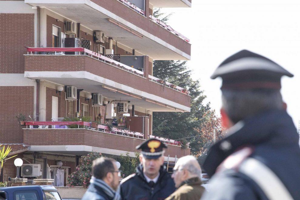 Latina, carabiniere spara alla moglie e tiene in ostaggio le figlie
