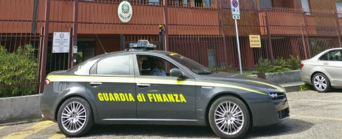 """'Ndrangheta, confiscati 50 milioni a imprenditore di Reggio Calabria. """"Ha reso una cosca socia del Comune"""""""