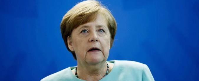 """Migranti, Merkel: """"Italia lasciata sola ad accoglierli dopo il crollo della Libia"""""""
