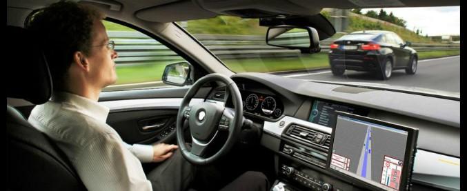 Guida autonoma, consentiti i test su strada alle self driving car anche in Italia