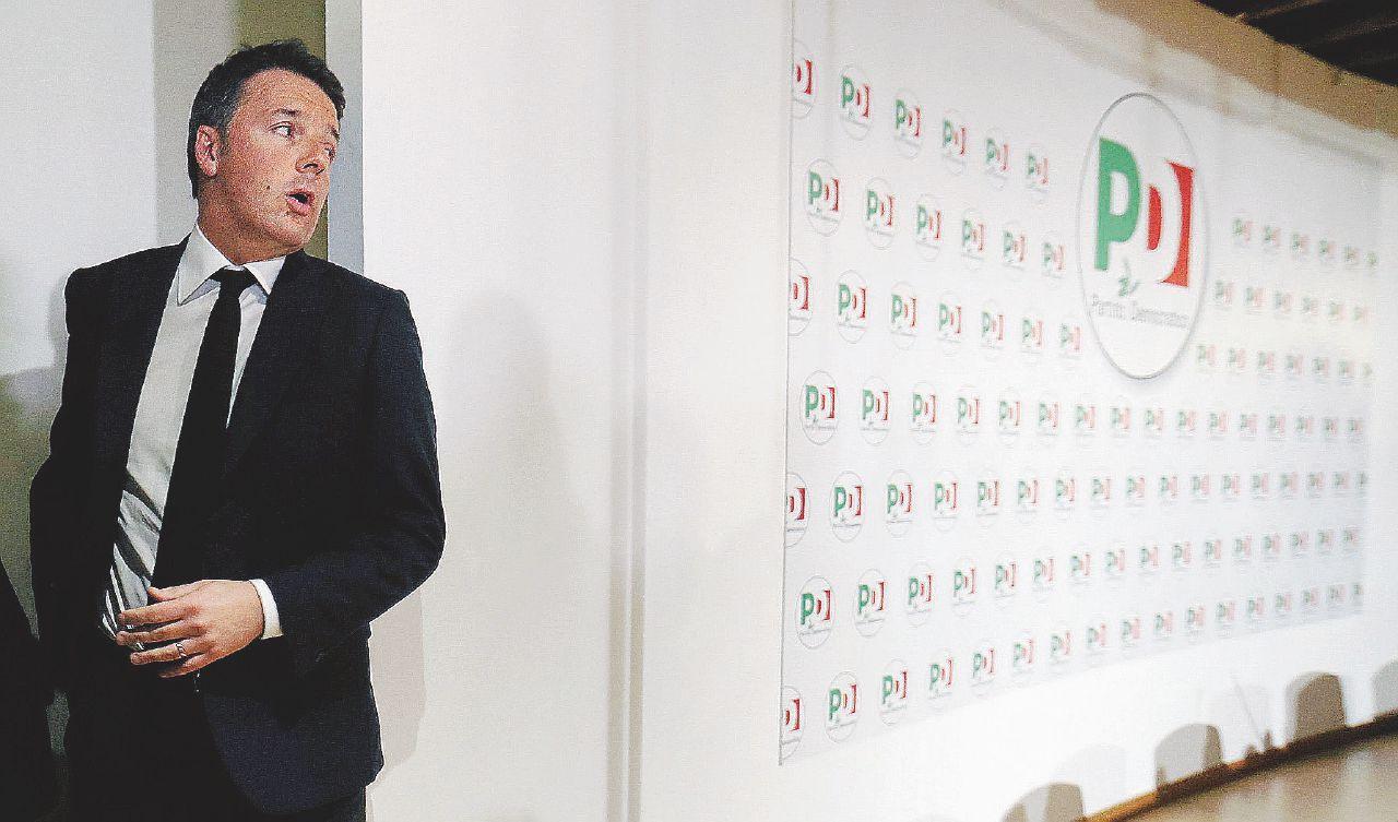 """In Edicola sul Fatto Quotidiano del 6 marzo: Renzi uccide un Pd morto. Ma tutt'intorno è fuggifuggi • Di Maio: """"Pronti al governo"""""""