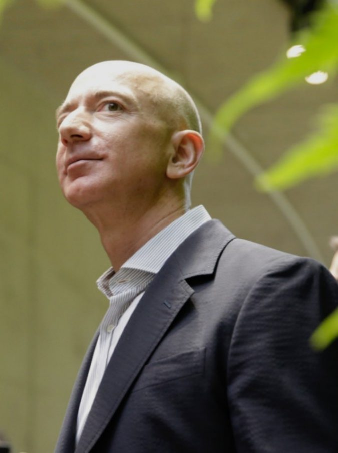 """Black Friday 2018, Jeff Bezos ammette: """"Anche Amazon un giorno fallirà"""""""
