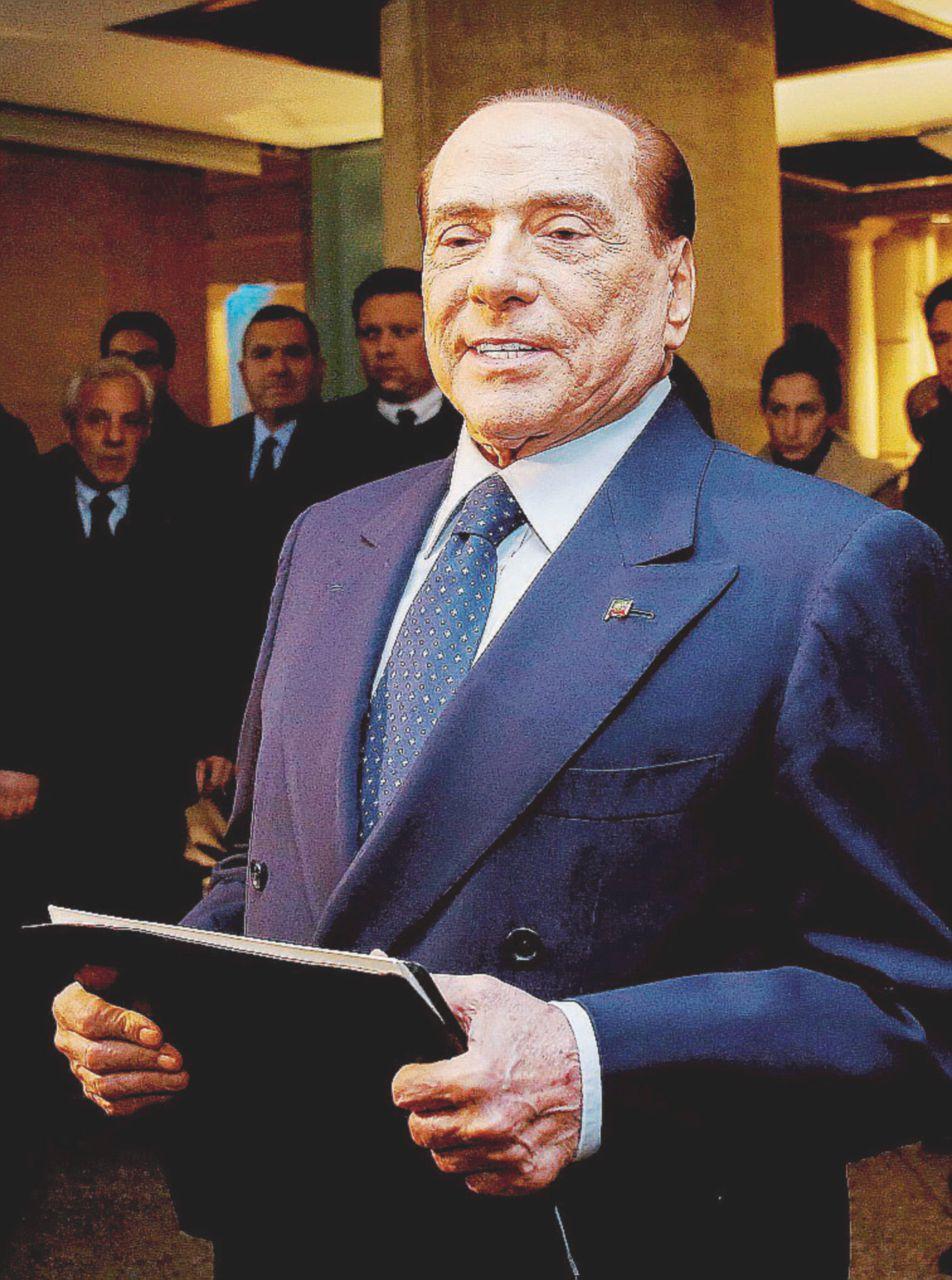 """Il """"film"""" dei perdenti: le trame nazarene di B. e Matteo (Renzi)"""