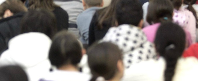 Cuneo, insegnante delle scuole medie accusato di avere avuto rapporti sessuali con studentesse minorenni
