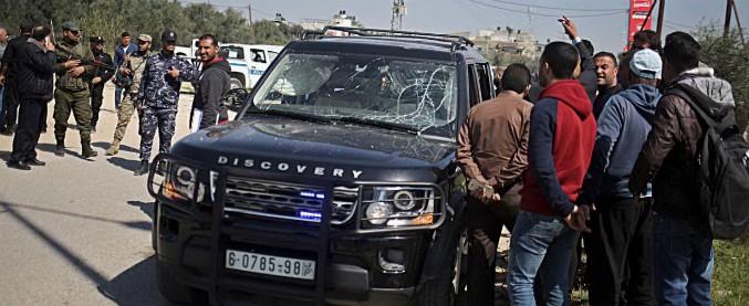 Gaza, attentato al premier palestinese Hamdallah. L'Anp incolpa Hamas, che nega e condanna l'attacco