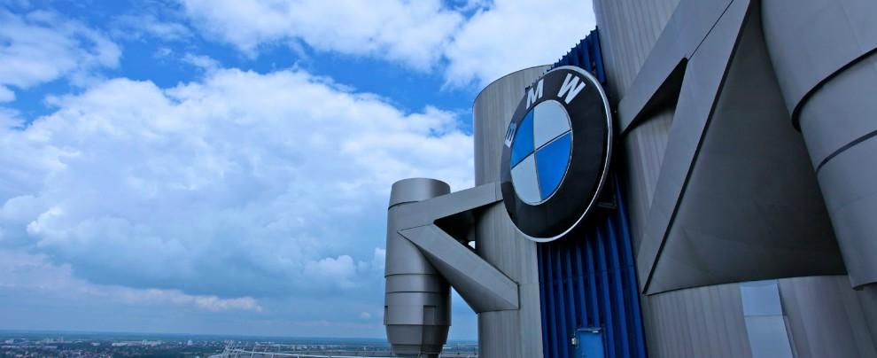 """Bmw in Germania: """"Blocchi del diesel? E noi vi cambiamo la macchina"""""""