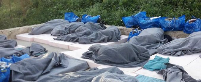 """Migranti, chiuso l'hotspot di Lampedusa sono stati trasferiti nei Cpr: """"Un regime di trattenimento, violati diritti di difesa"""""""