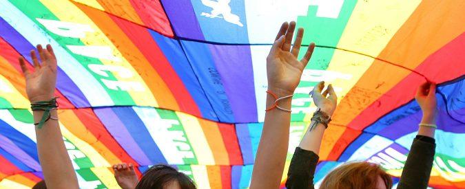 Festa del papà arcobaleno, a Roma la filastrocca per tutti i bambini. Anche quelli con due mamme