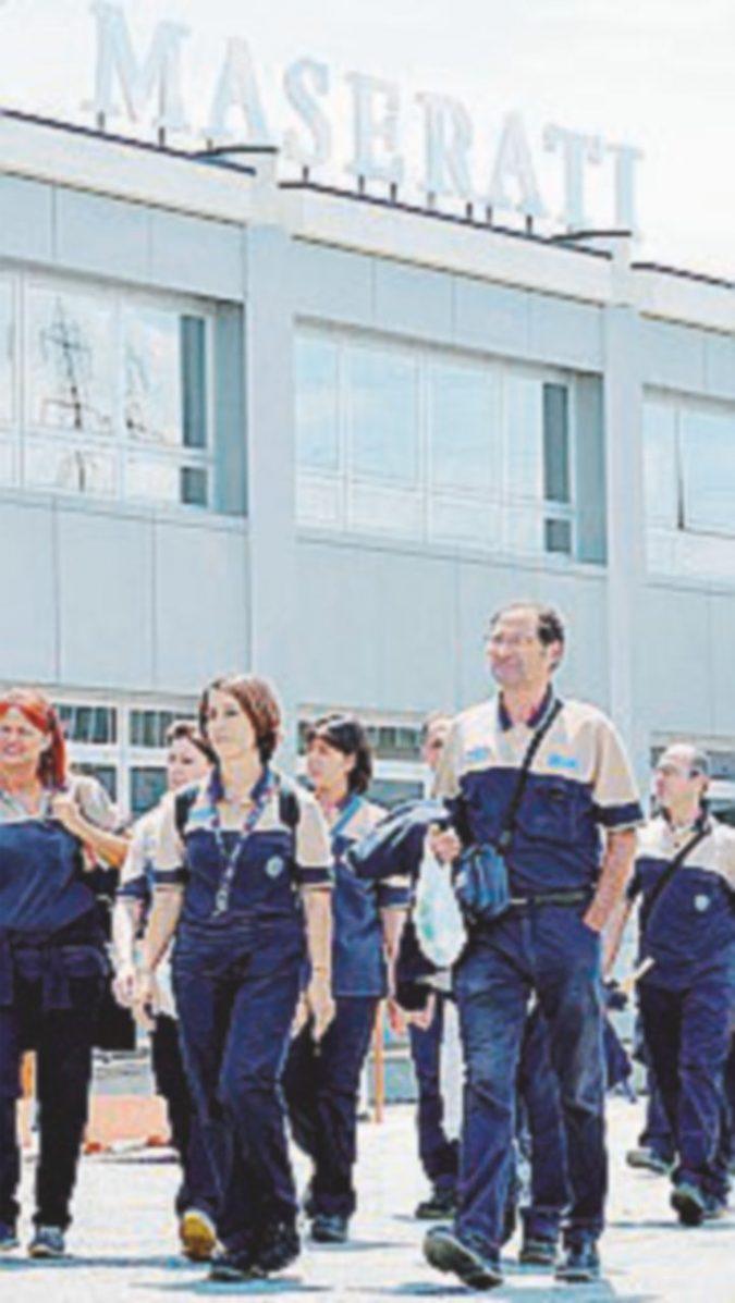 Maserati,  solidarietà  e cassa integrazione   a  migliaia di operai