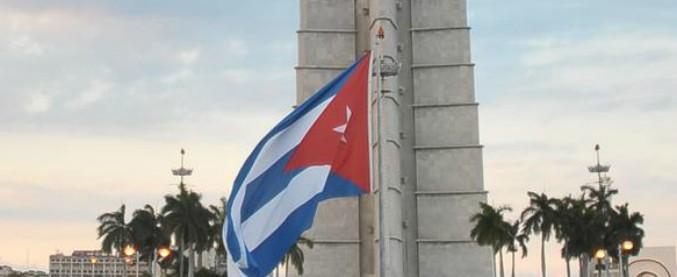 """Cuba, approvata riforma costituzionale: sparisce la parola """"comunismo"""" e si riconosce la proprietà privata"""