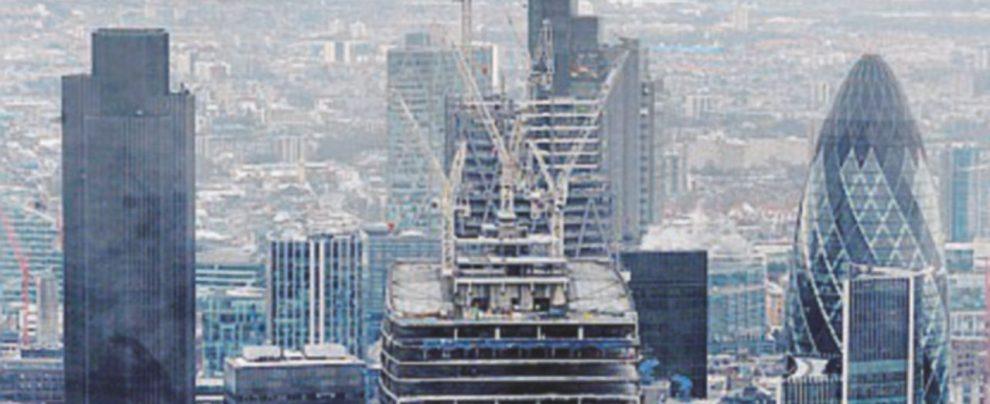 Capitali in fuga nel fumo di Londra