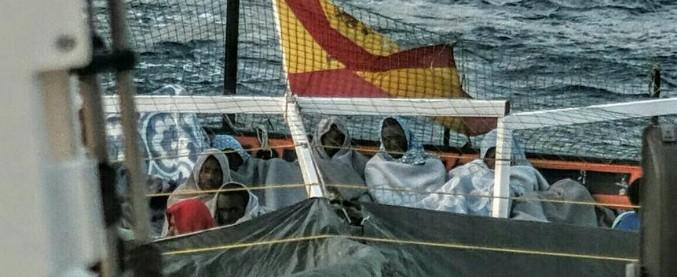 """Migranti, nave ong: """"Nessun porto ci fa sbarcare, abbiamo casi gravi a bordo"""""""