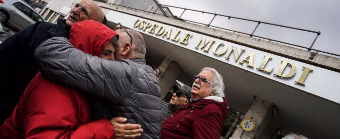 Napoli, ospedale Monaldi: bimbi ricoverati con adulti, specialisti trasferiti. Storia di un'eccellenza smantellata