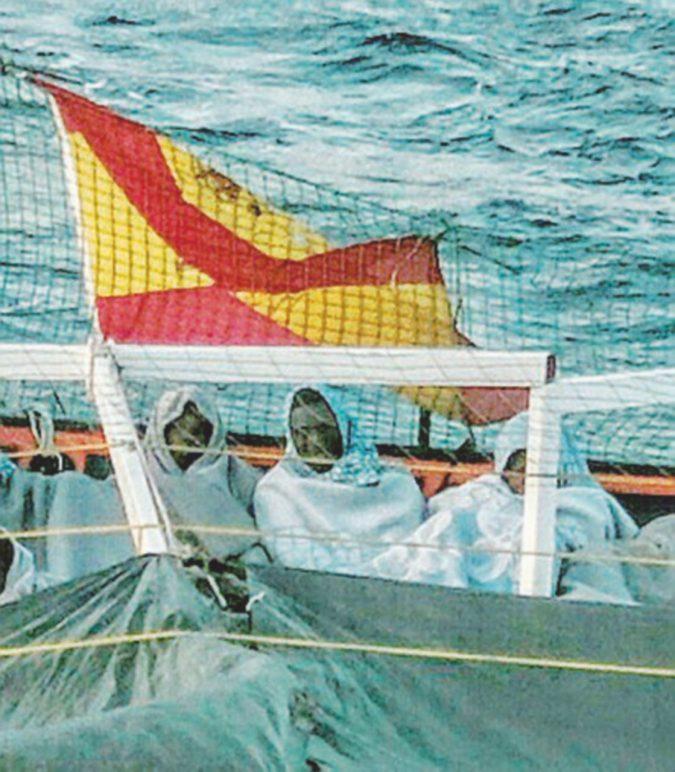 Migranti, la nave errante sbarca a Pozzallo