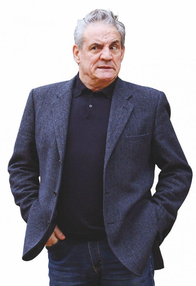 """""""Ho visto le pistole, le truffe, Berlusconi all'opera, i tanti soldi e gli scherzi di  Ricci"""""""