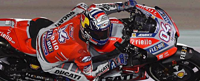 MotoGp, Dovizioso trionfa in Qatar davanti a Marquez. Rossi si prende il terzo gradino del podio