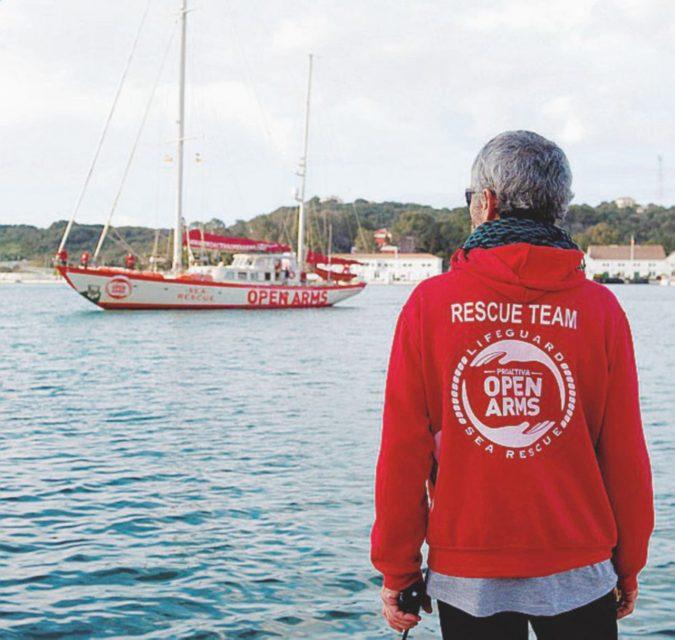 Migranti, sequestrata a Pozzallo una nave Ong