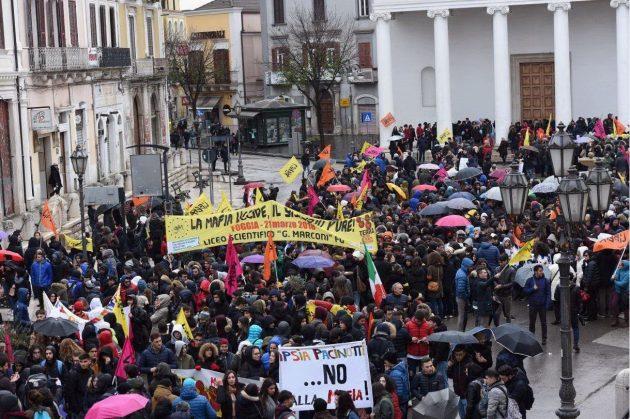 Foggia, in 40 mila alla marcia di Libera con don Ciotti: 'Il
