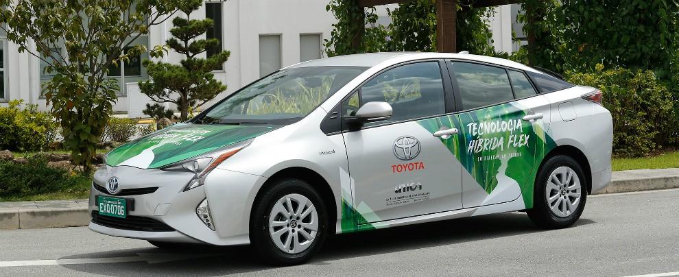 Toyota Prius Hybrid FFV, debutta la prima ibrida a etanolo del mondo