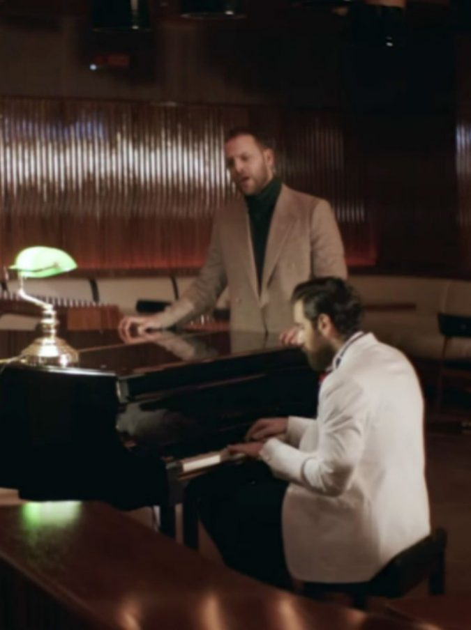 """TheGiornalisti, ecco il nuovo singolo """"Questa nostra stupida canzone d'amore"""" (VIDEO)"""