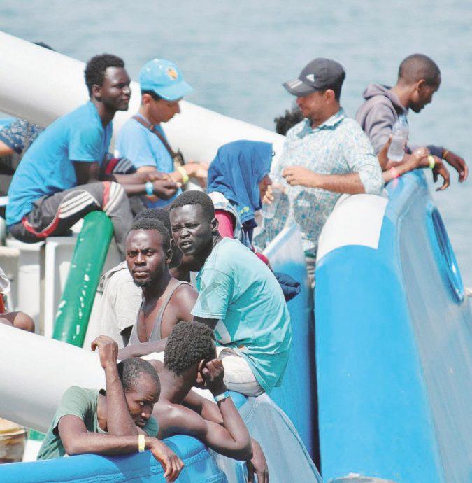 """Migranti, la Corte dei Conti: """"L'Ue paga il 2,7% delle spese"""""""