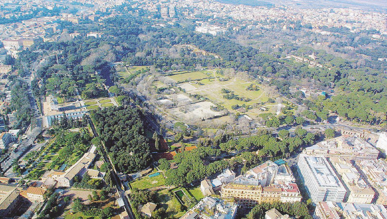 Villa Borghese si dà all'ippica Parco occupato per 4 anni