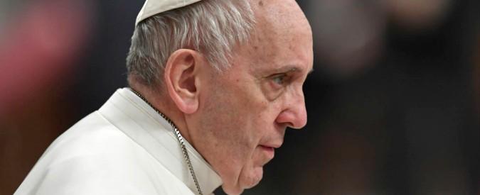 """Vaticano, vescovi e cardinali disertano la presentazione del libro di papa Francesco """"Dio è giovane"""""""