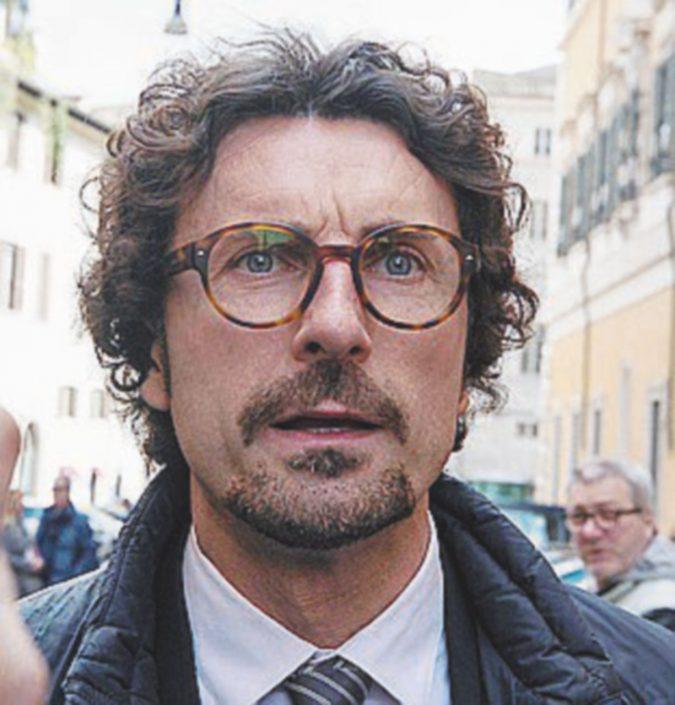 """Grillini tra silenzi, imbarazzi e orgoglio: """"Si scrive Casellati, si legge Roberto"""""""