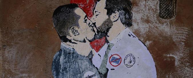 5 stelle, il no a Romani non basta a cancellare 'il bacio' con Salvini