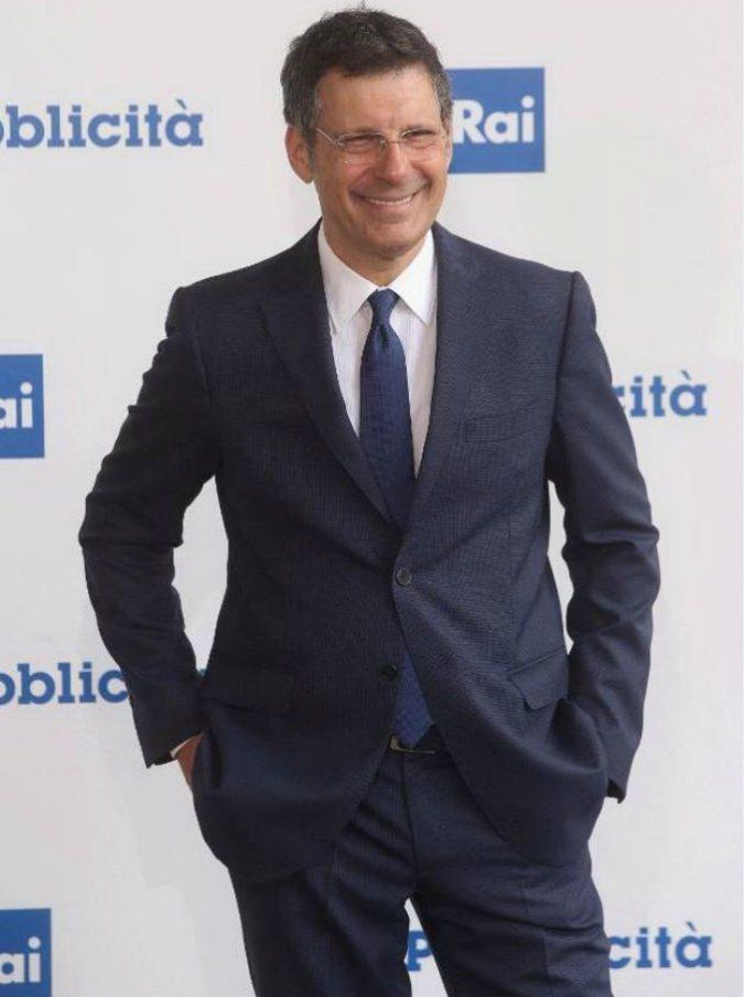 Fabrizio Frizzi morto, dagli esordi nella tv per ragazzi fino all'Eredità: 35 anni di carriera con quella sua risata travolgente