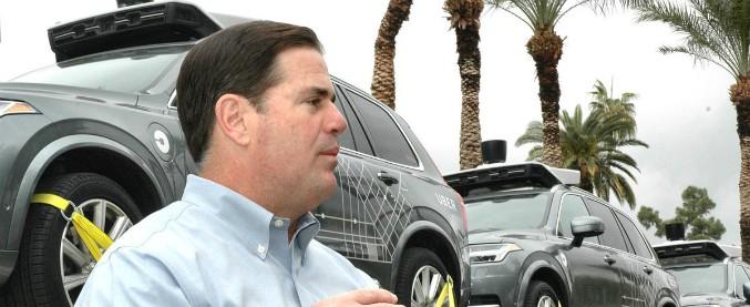 """Arizona, il governatore mette fine ai test di guida autonoma: """"sono un fallimento"""". E Uber si ritira anche dalla California"""