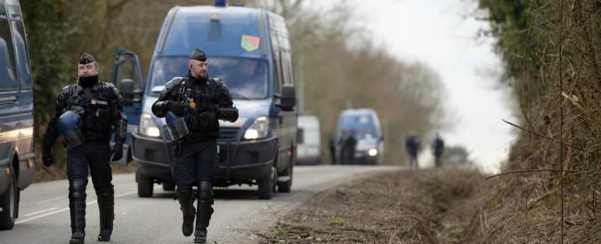 """Francia, auto contro militari nell'Isère: fermati un uomo e una donna. """"Non è un caso di terrorismo"""""""