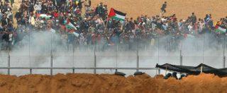 """Gaza, guerriglia al confine. L'esercito israeliano spara: morti 15 palestinesi, 1400 feriti. Abu Mazen: """"Lutto per i martiri"""""""