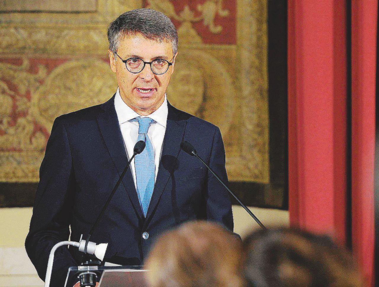 """In Edicola sul Fatto Quotidiano del 1 aprile: Cantone: """"Subito la legge per sapere chi paga i partiti"""""""