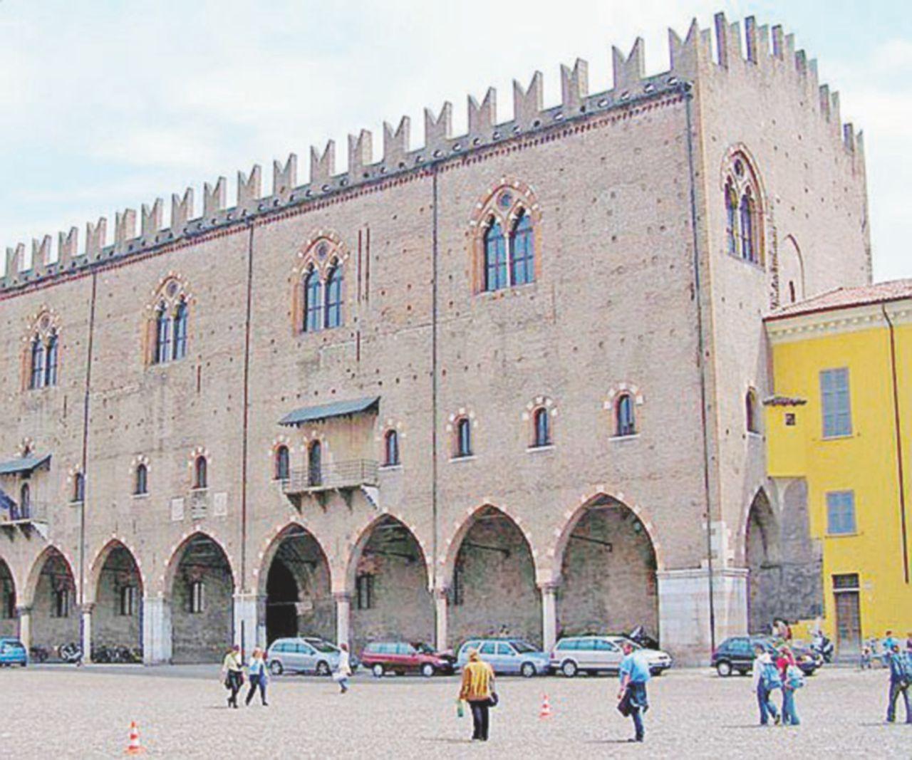 Figuraccia a Mantova: a Pasquetta chiude il Palazzo Ducale. Ira dei turisti