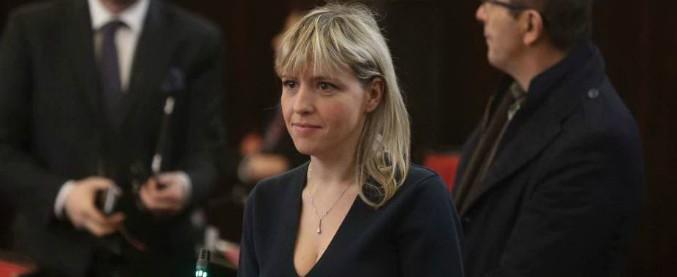 """Forza Italia, la consigliera Sardone fuori dalla giunta lombarda: """"Partito schiavo dei cortigiani di Arcore"""". In sua difesa Toti"""