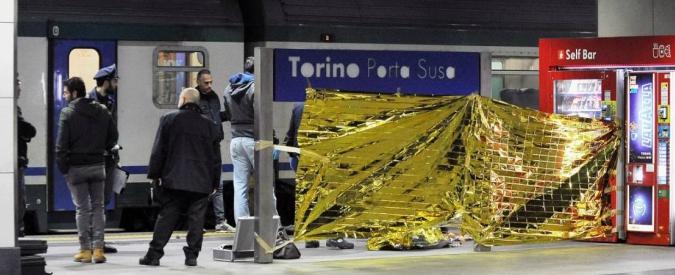 """Torino, studentessa di 15 anni muore investita da treno a Porta Susa. """"Forse il convoglio ha agganciato il suo zaino"""""""