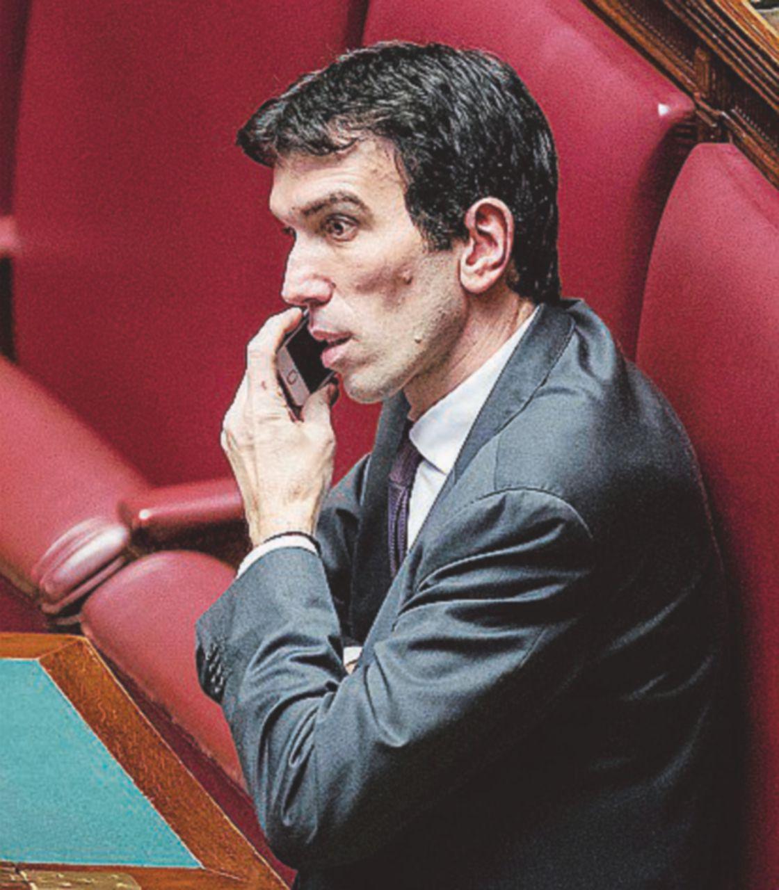 """Pd, assemblea il 21 aprile per scegliere il nuovo segretario. Martina ci ha preso gusto: """"Mi candido"""""""
