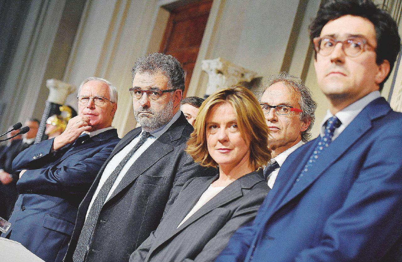 In Edicola sul Fatto Quotidiano del 5 aprile: Il Pd spinge Di Maio nelle braccia di Salvini